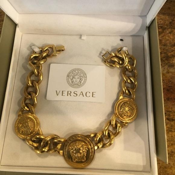 versace chain link